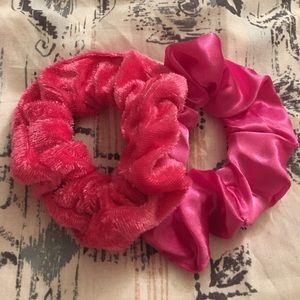 Accessories - Handmade Scrunchie Set -Pink